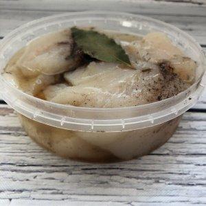Филе трески кусочками (пресервы) слабой соли со специями в масле